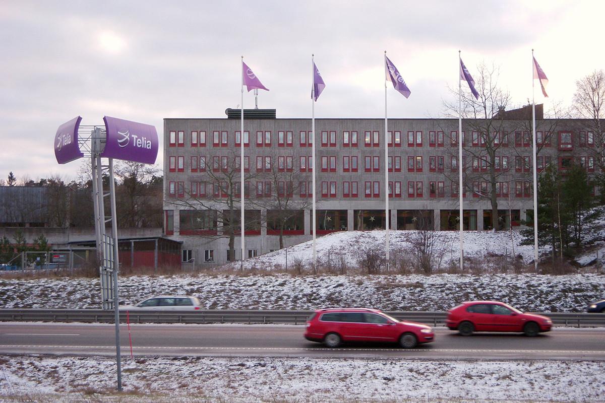 İsveç'in dev telefon şirketi TeliaSonera, Tele2'yi satın alıyor