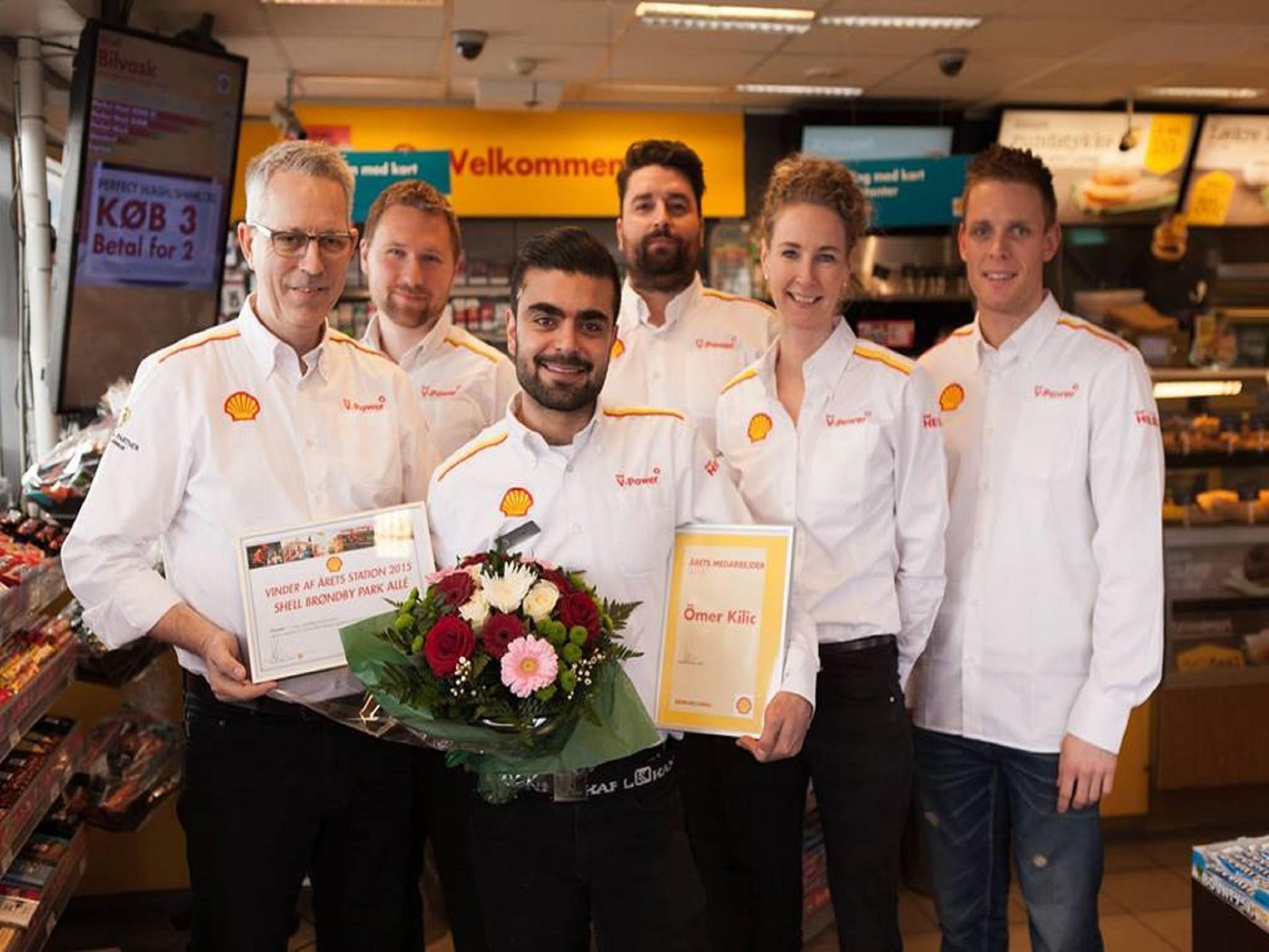 Shell Danimarka'da yılın işcisi ödülü Ömer Kılıç'a