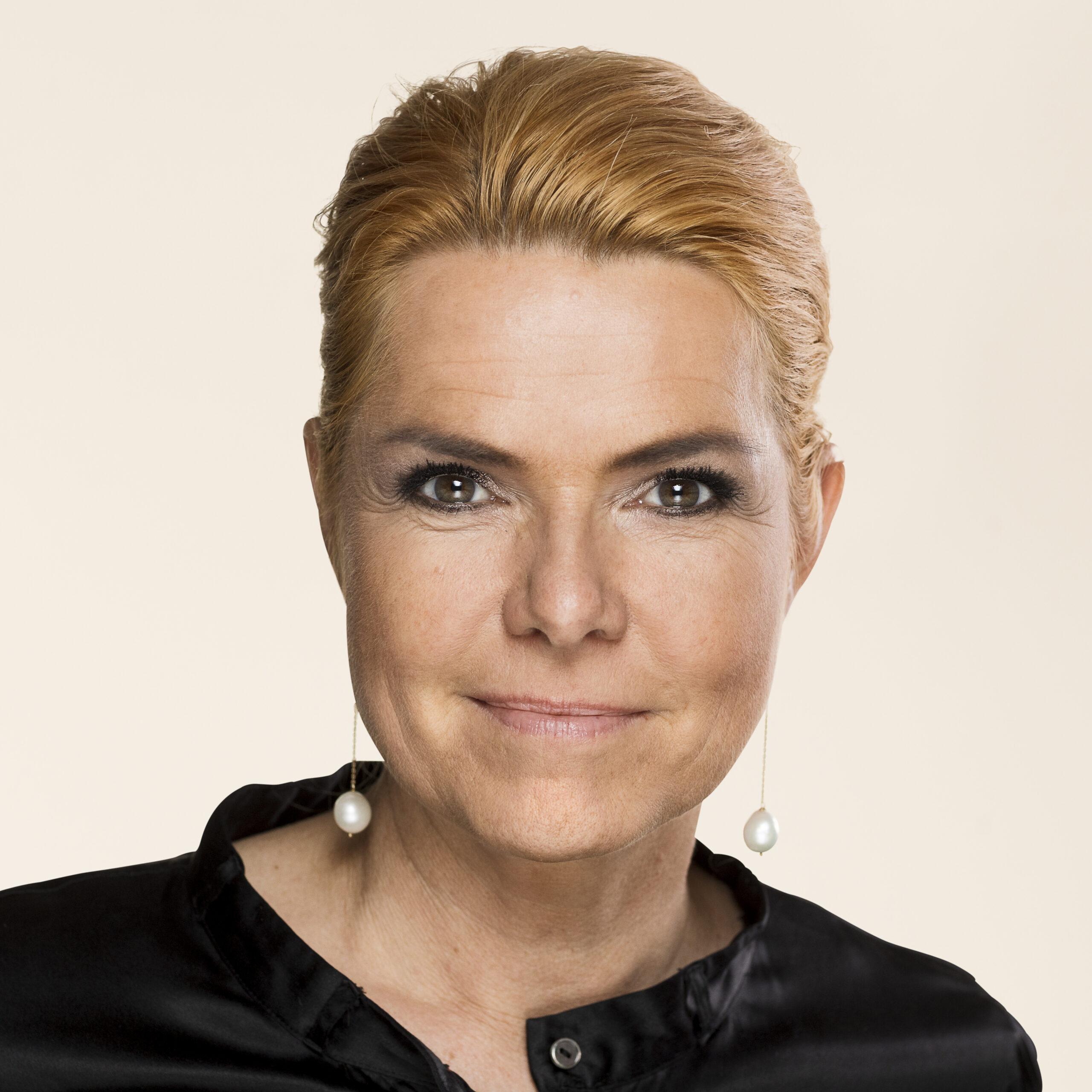 Eski Entegrasyon Bakanı Inger Støjberg Yüce Divan'da Yargılanacak